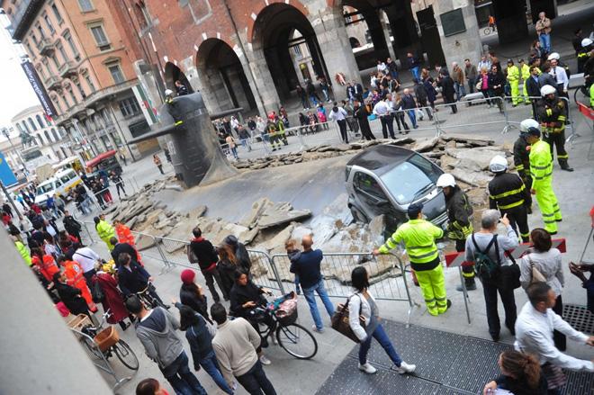 Łódź podwodna na ulicy Mediolanu