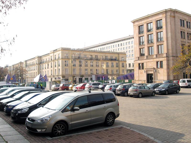 parking przed ministerstwem finansów